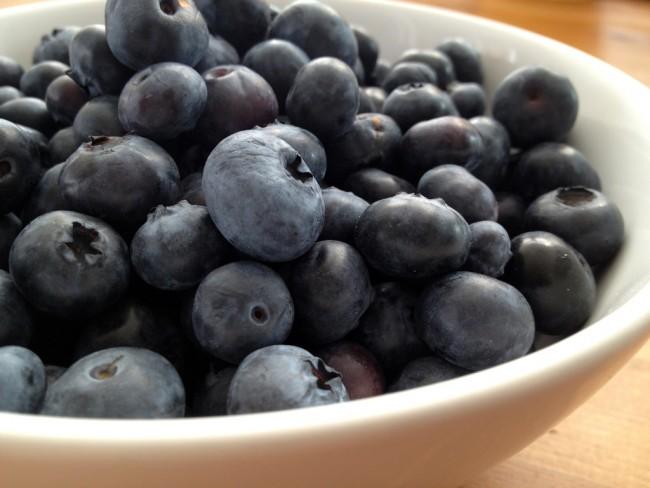rote gruetze blueberries