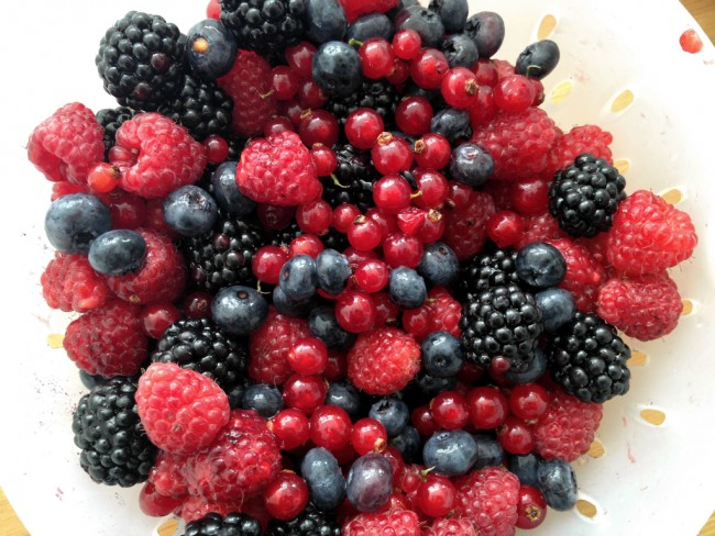 rote gruetze mixed berries