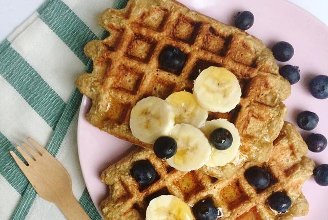 banana oat waffles preview