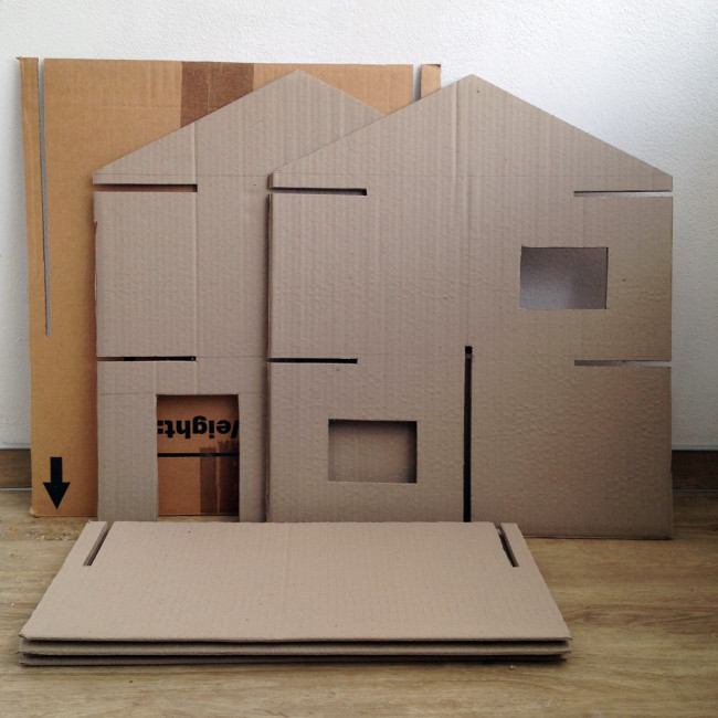 carboard slotted dollshouse 03