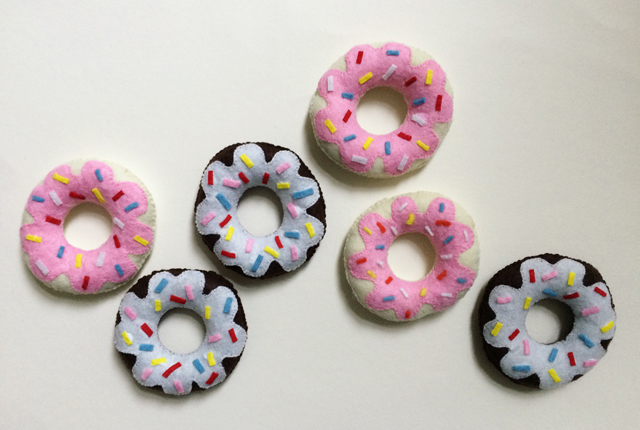 felt donuts preview