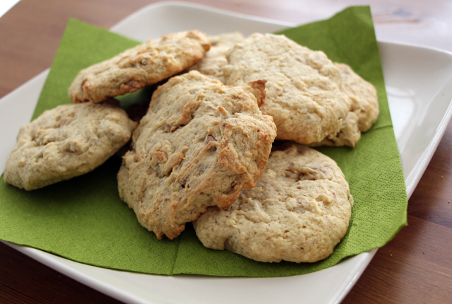 banana walnut cookies - preview