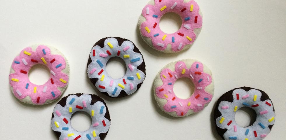 felt donut preview