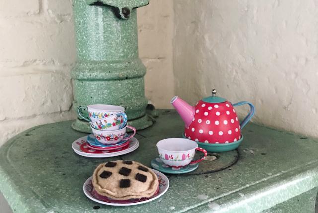 Tin Tea Set Preview